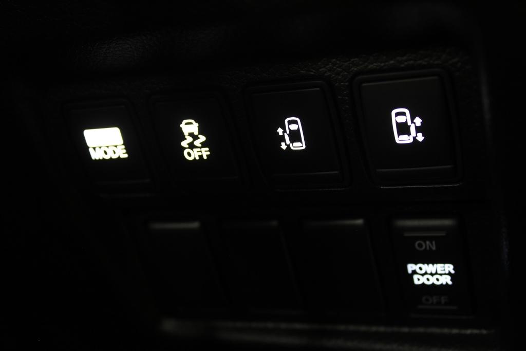E52 エルグランド エアコンパネル LED打ち替え