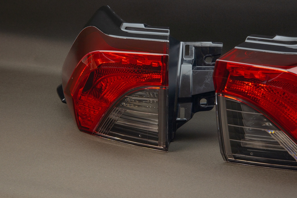 AXAH54/52 RAV4 シーケンシャルウインカー LED